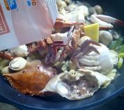 鲜美无比的草菇炒花蟹的做法
