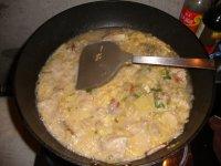 高汤猪脆骨炖酸菜的做法