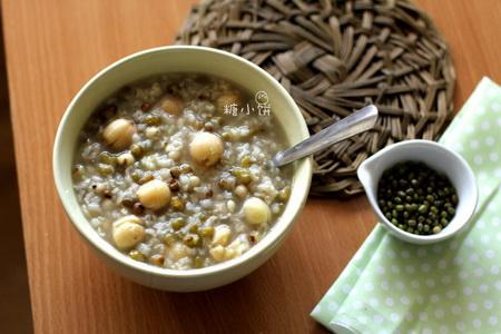 荷香绿豆薏米粥