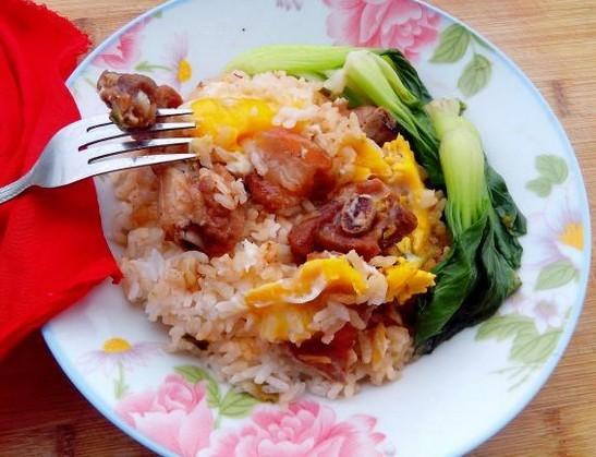 高汤排骨煲饭的做法