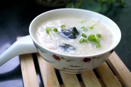 皮蛋肉米粥