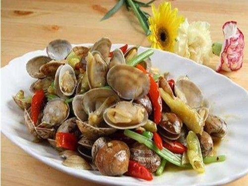 青岛特色小吃之辣炒蛤蜊的做法