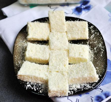 椰丝牛奶小方糕的做法图解