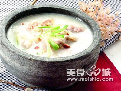 葱白红枣鸡肉粥