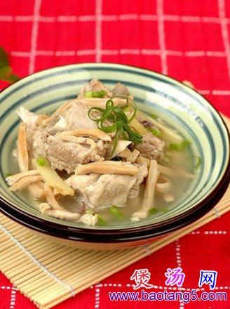 墨鱼排骨汤的做法