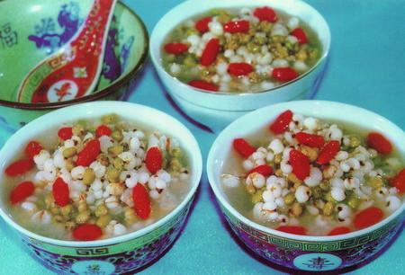红杞绿豆薏米粥