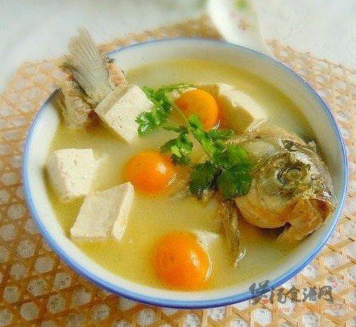 鲫鱼豆腐金橘汤的做法