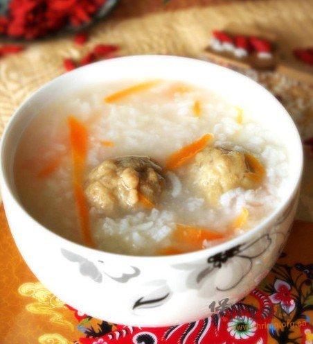 香浓胡萝卜肉丸粥的做法