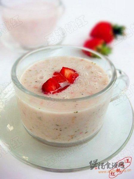 草莓薏仁酸奶的做法