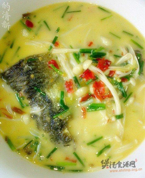 鱼头金针汤的做法