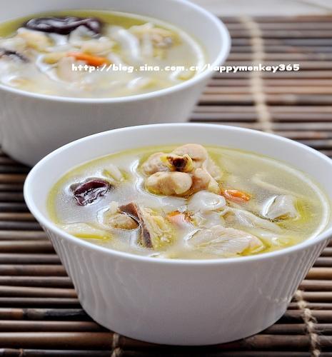 鲜菇红枣鸡汤的做法