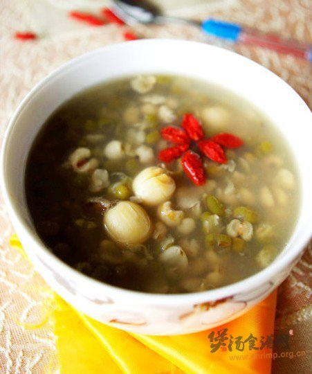 绿豆莲子薏米粥的做法