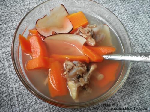 海底椰甘笋鸡骨汤的做法