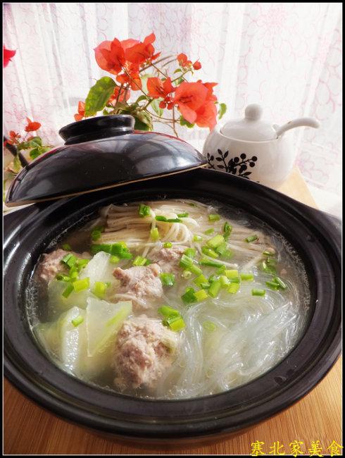 冬瓜金针菇汆丸子的做法