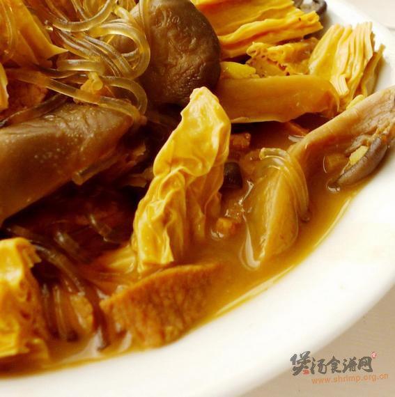 蘑菇腐竹炖粉条的做法