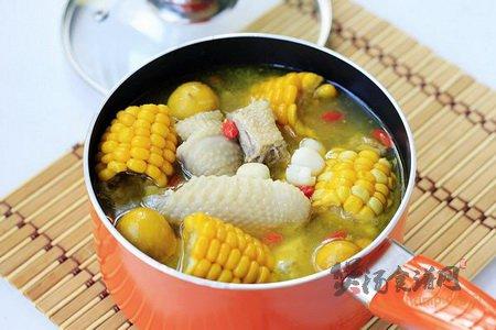 玉米莲子炖土鸡的做法