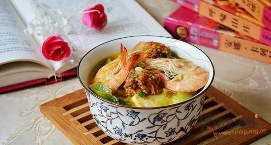 肉丸鲜虾炖豆腐的做法