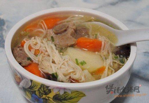 金针菇排骨汤的做法
