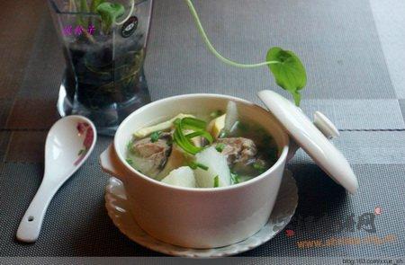 山药蹄髈汤的做法