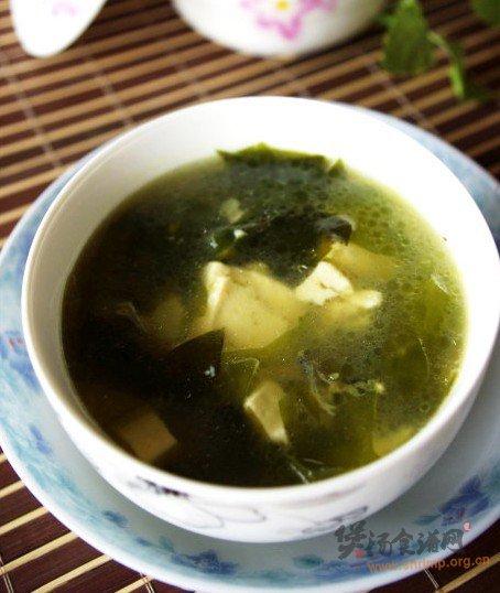 海藻鱼头豆腐汤的做法