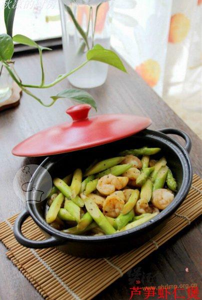 芦笋虾仁煲的做法