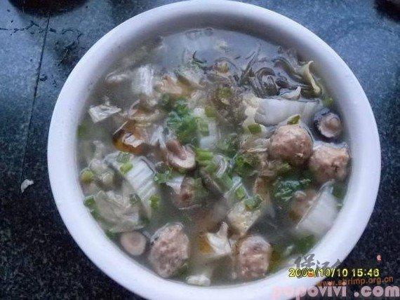 白菜贡丸粉丝汤的做法