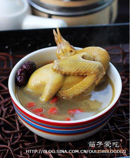 枣杞乳鸽汤的做法