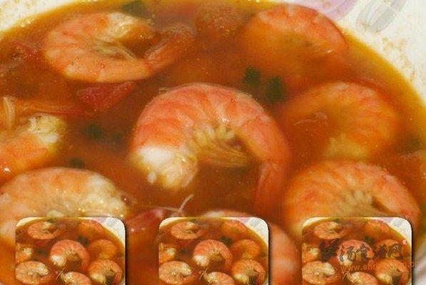 蕃茄鲜虾汤的做法