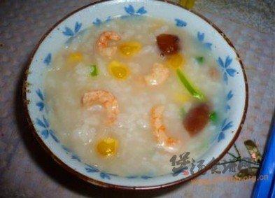 萝卜虾仁冬菇粥的做法