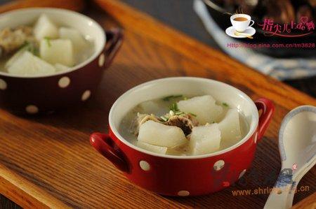蹄花萝卜汤的做法