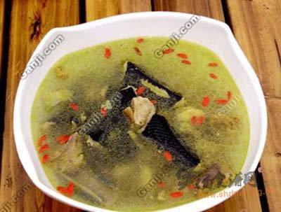 鲫鱼黄豆芽通草汤的做法