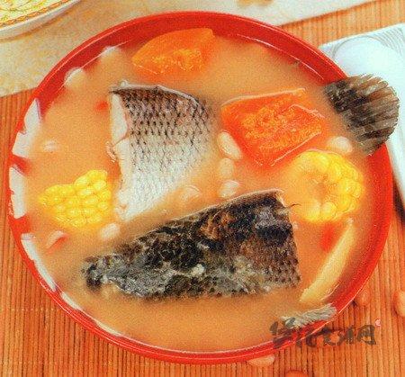 木瓜玉米花生生鱼汤的做法