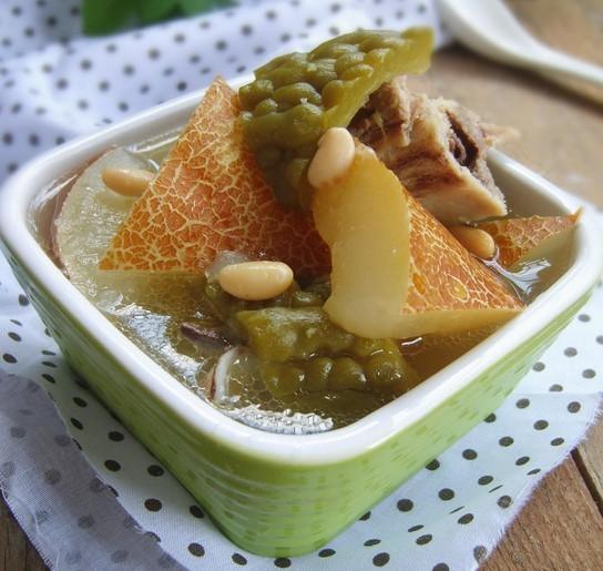 老黄瓜黄豆煲猪骨的做法