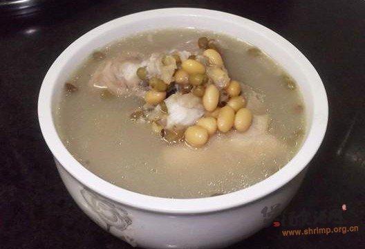黄绿豆煲鱼骨汤的做法