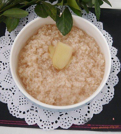 菊普姜片粥的做法