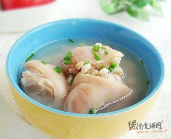 薏米猪蹄汤的做法