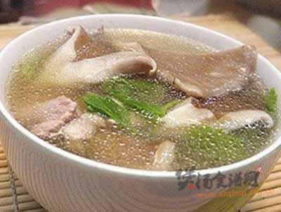 蜗牛炖猪瘦肉汤的做法