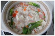 海鲜豆腐砂锅的做法