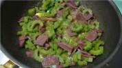 苦瓜牛肉滑蛋的做法