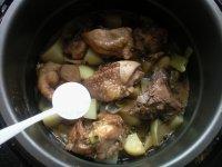 土豆鸡块炖豆角的做法