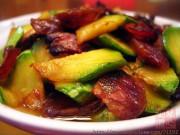 西葫芦炒腊味的做法